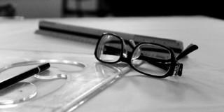 メガネと文房具