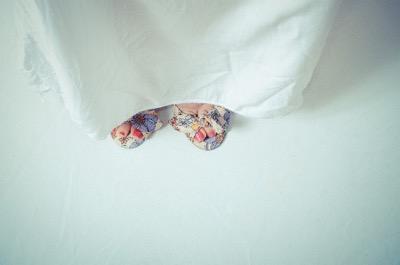 女性の爪先